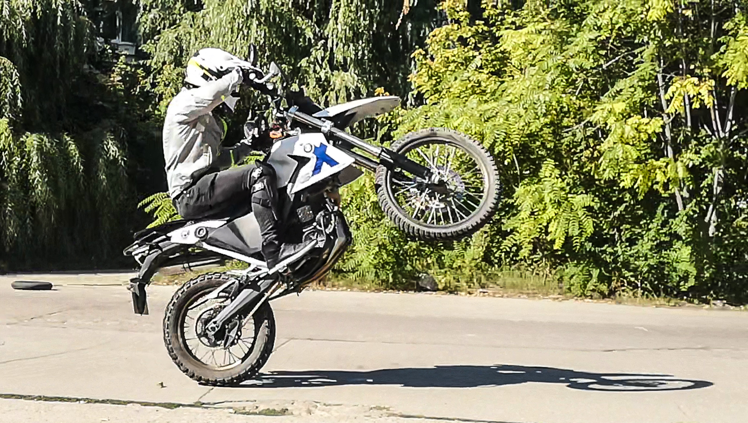 Prima sesiune de wheelie + video